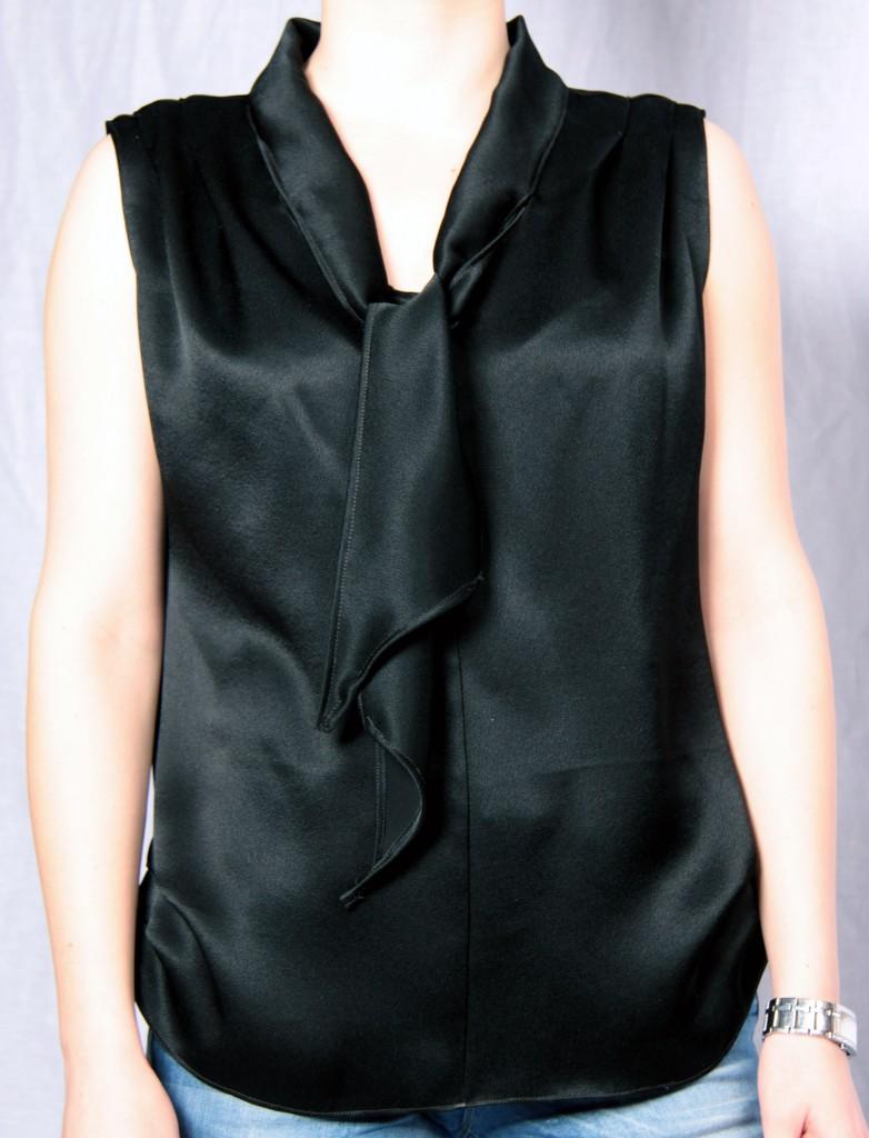 musta paita